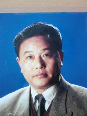 汤庆春,男,1952年生,江苏兴化人,大学学历。现任江西省